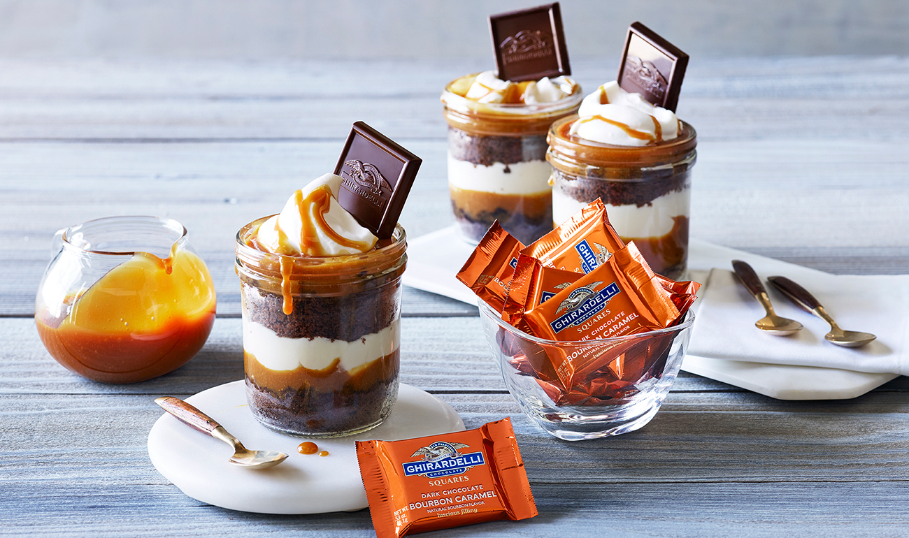 Bourbon Caramel Mason Jar Layer Cakes Recipe