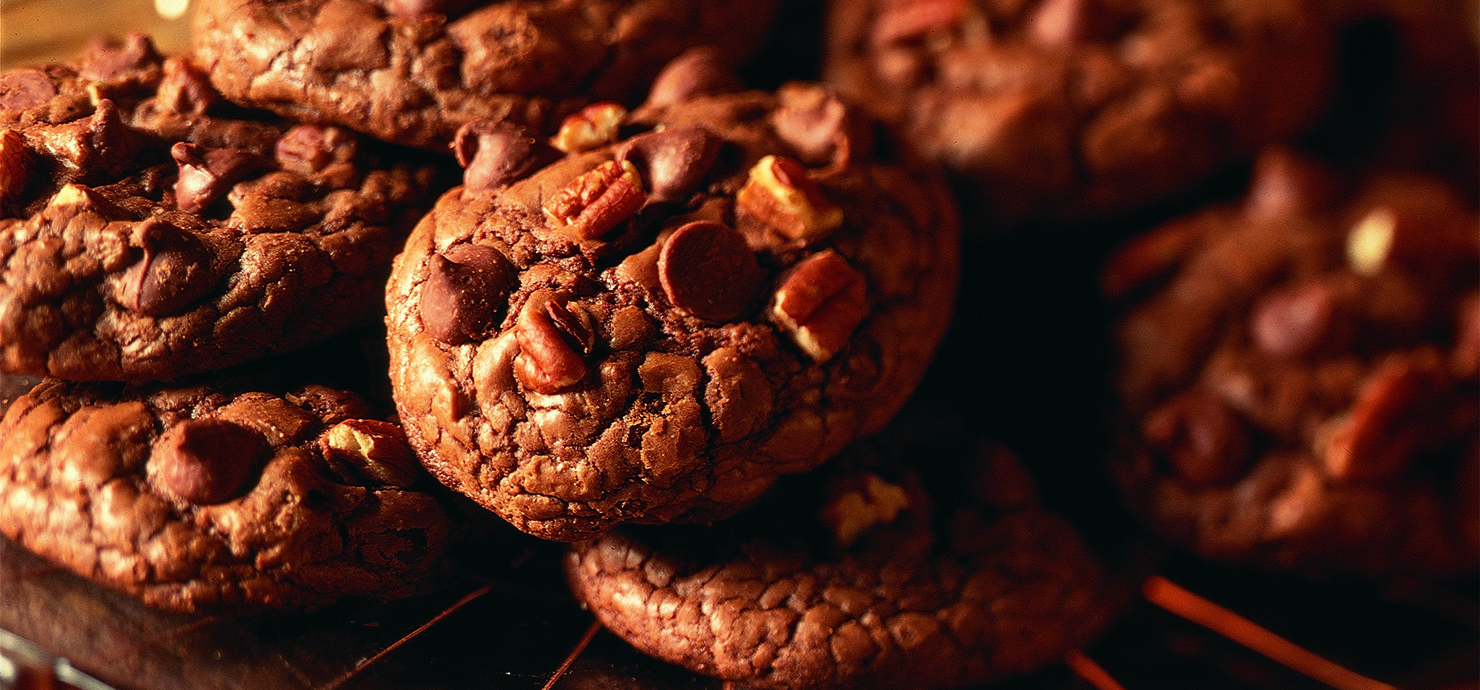 Image for Chocolate Chip Pecan Cookies from Ghirardelli