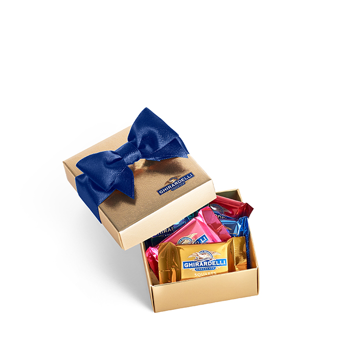 84012 chocolate favor box with blue ribbon 5pc